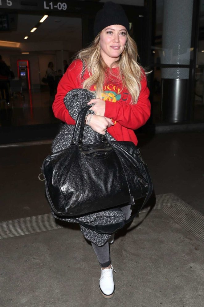 Hilary Duff – Arriving at LAX Airport in Los Angeles