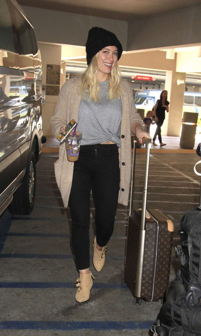 Hilary Duff - Arriving at LAX Airport in Los Angeles