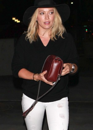 Hilary Duff - Arriving at the Taylor Swift concert in LA