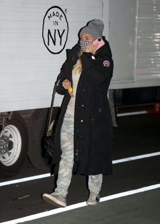 Hilary Duff - Arriving on the set of Younger in New York