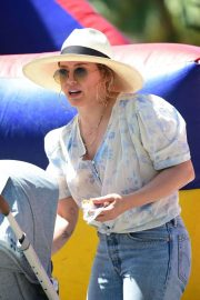 Hilary Duff at a Farmers Market in Studio City