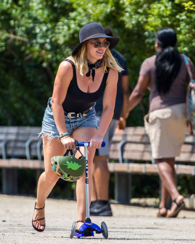 Hilary Duff in Denim Shorts at Brooklyn Bridge Park in Brooklyn