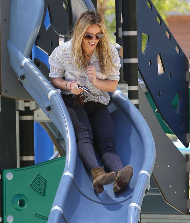 Hilary Duff at Coldwater Canyon Park in Beverly Hills