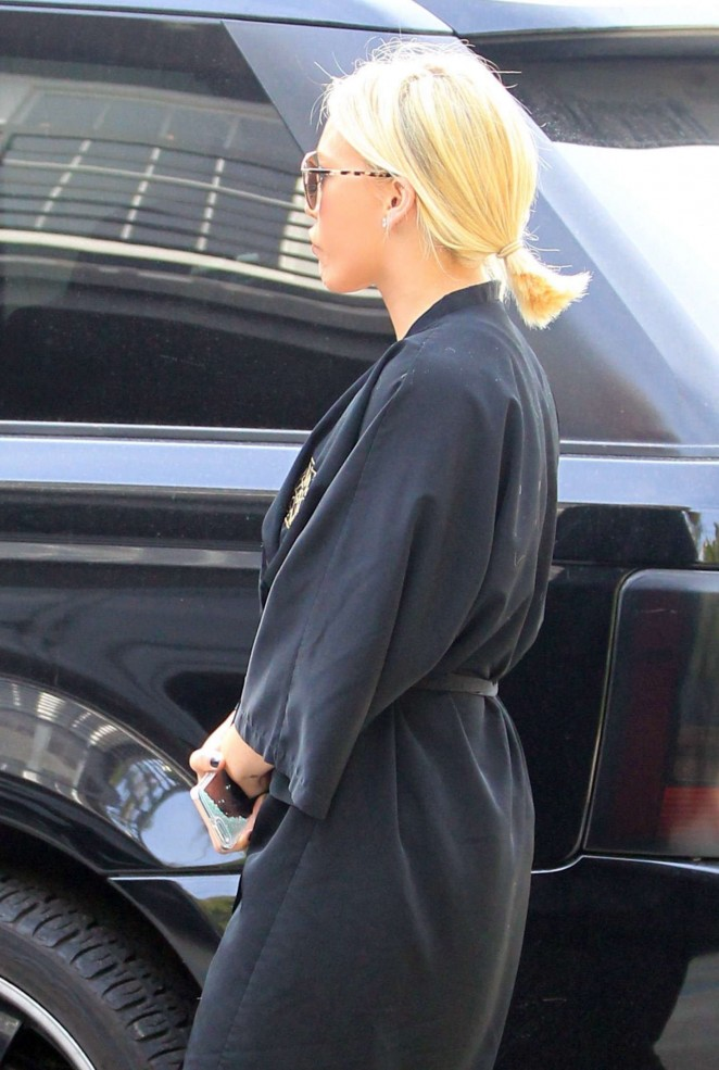 Hilary Duff at Nine Zero One Salon -09