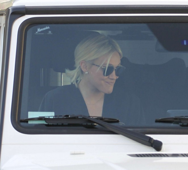 Hilary Duff at Nine Zero One Salon -11