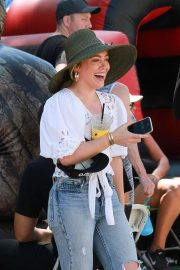 Hilary Duff at the Farmer's Market in Studio City