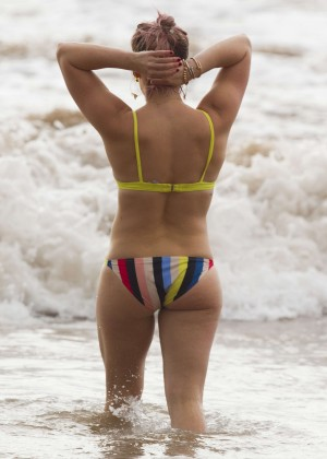 Hilary Duff in Bikini -17