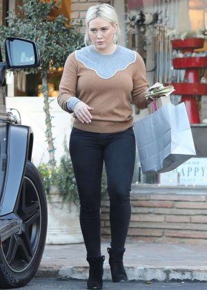 Hilary Duff - Christmas Shopping in Los Angeles