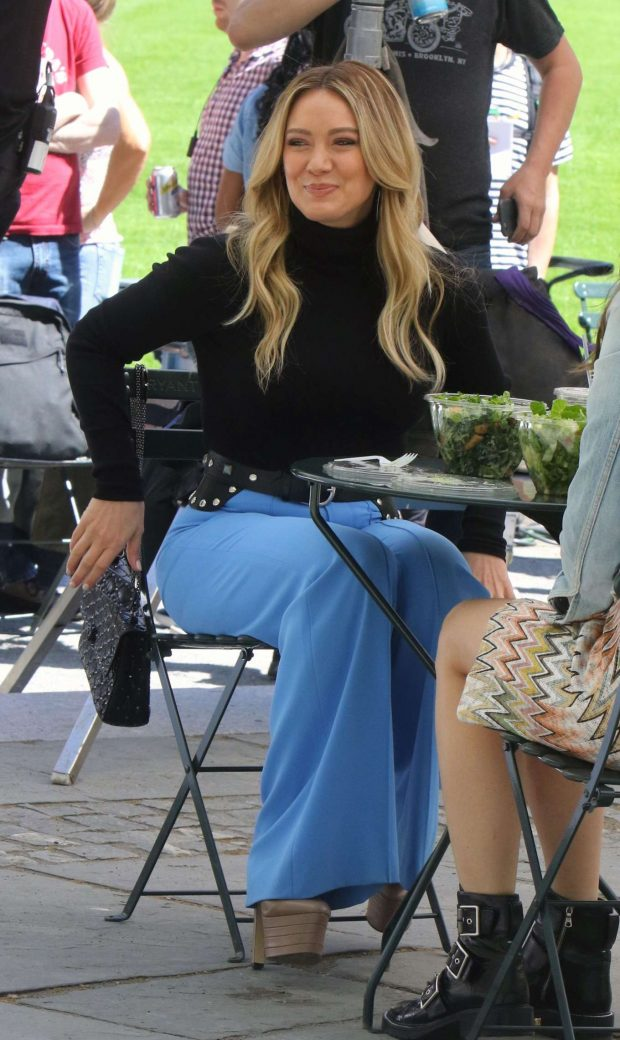 Hilary Duff 2019 : Hilary Duff: Filming Younger in NYC -10