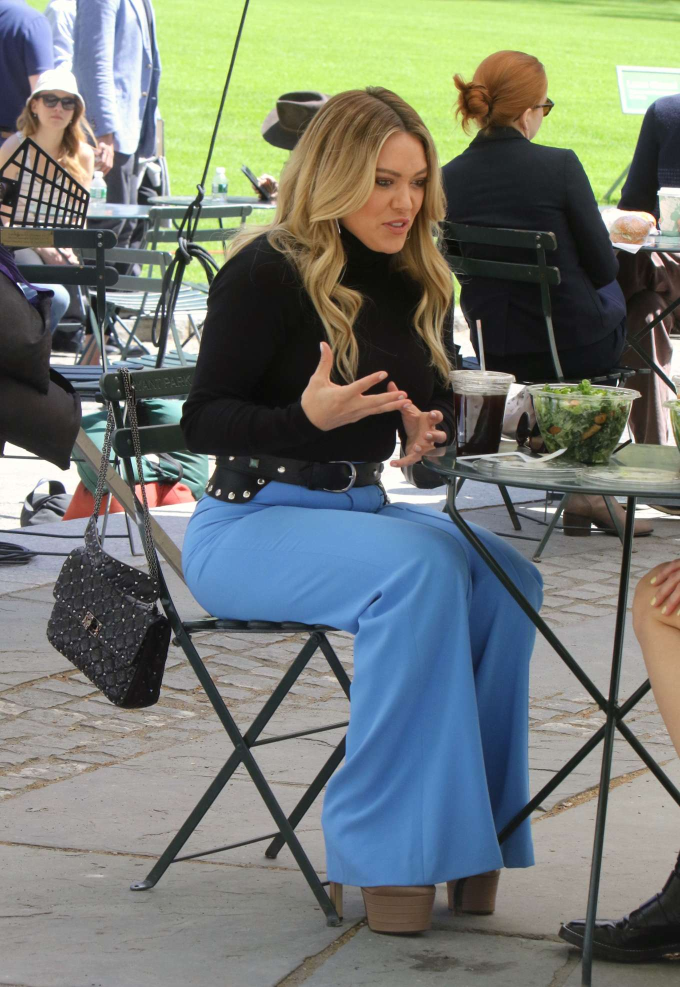 Hilary Duff 2019 : Hilary Duff: Filming Younger in NYC -16