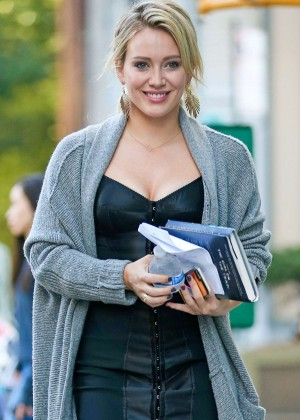 Hilary Duff – Filming 'Younger' Set in New York  Hilary Duff