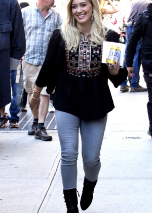 Hilary Duff -  Filming 'Younger' set in NY