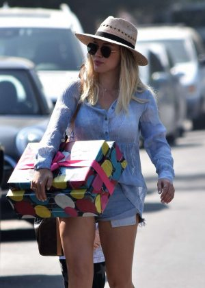 Hilary Duff - Going to a birthday party in LA