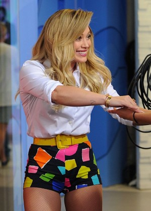 Hilary Duff in Tiny Shorts -08
