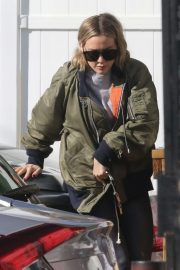 Hilary Duff - Grabs Alfred Coffee with her husband in Studio City