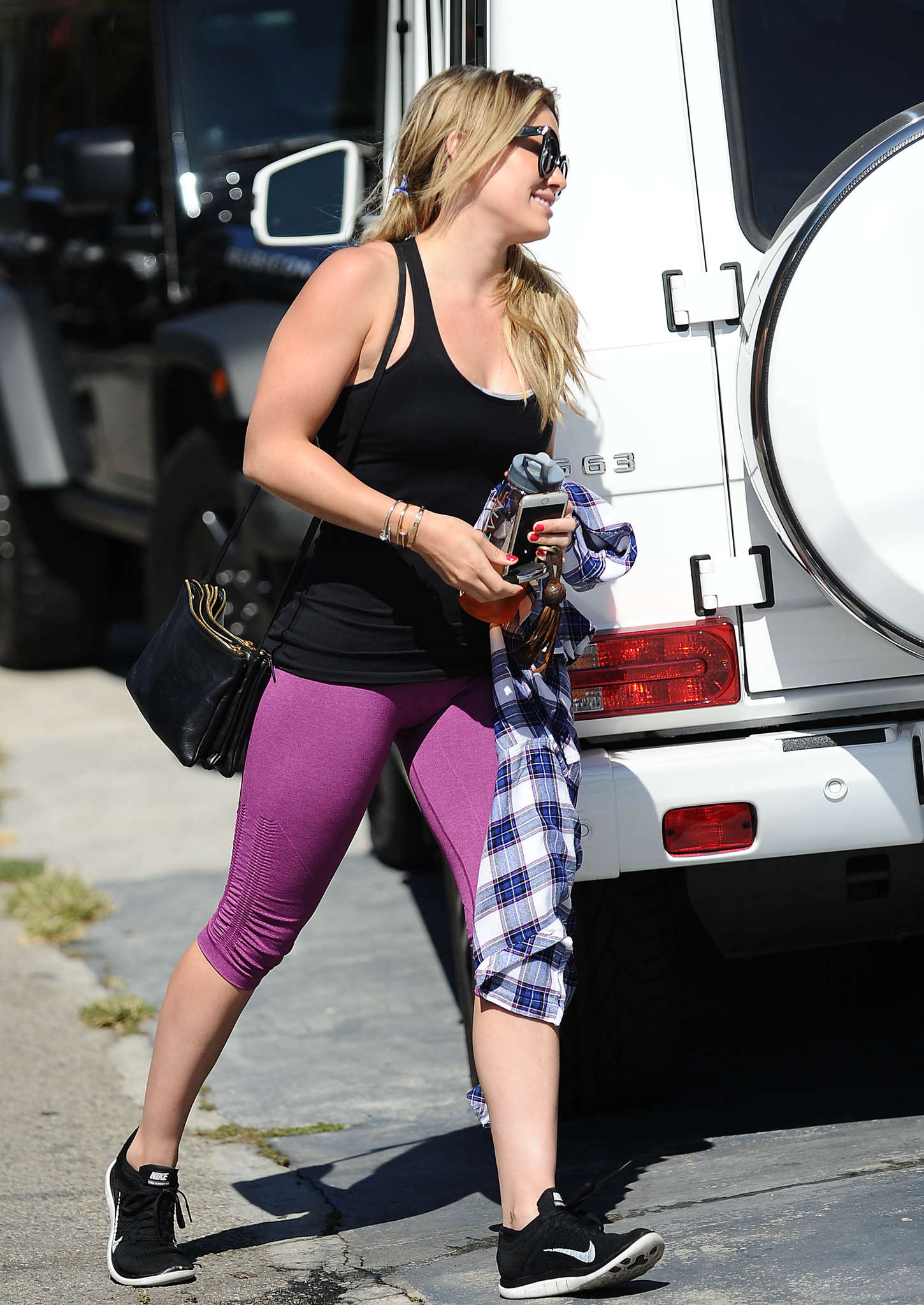 Hilary Duff in Tights Heading to the gym in West Hollywood
