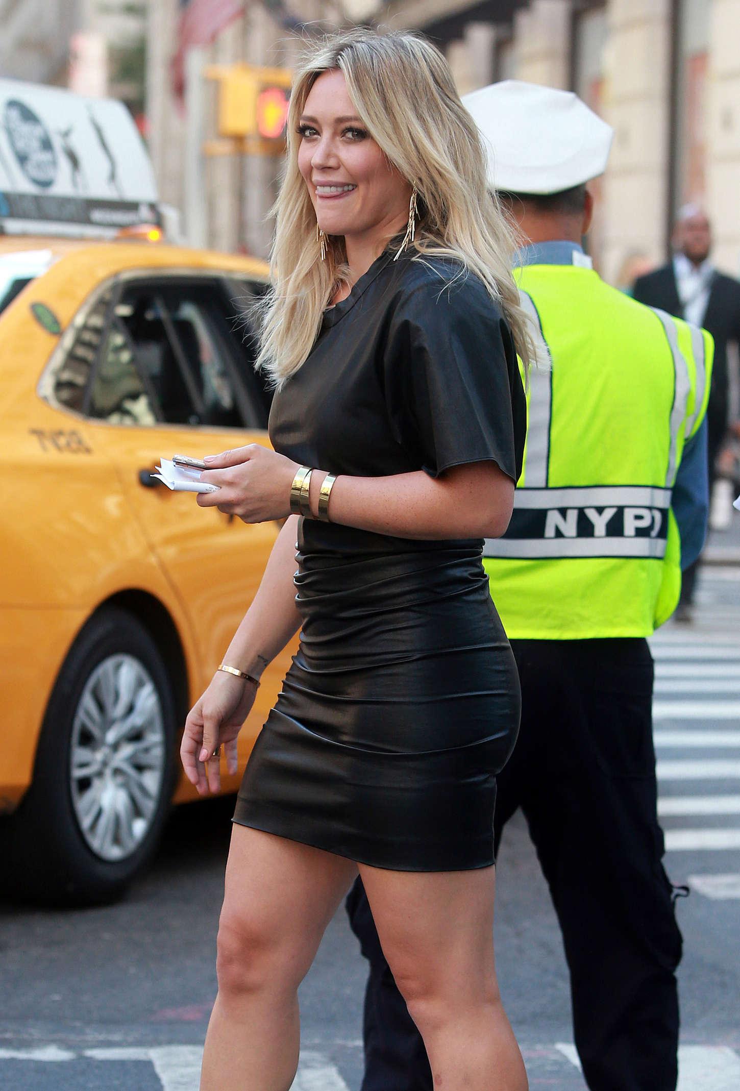 Hilary Duff in Short Mini Dress -15 - GotCeleb Jessica Biel
