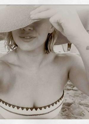 Hilary Duff in a Bikini - Instagram Pic