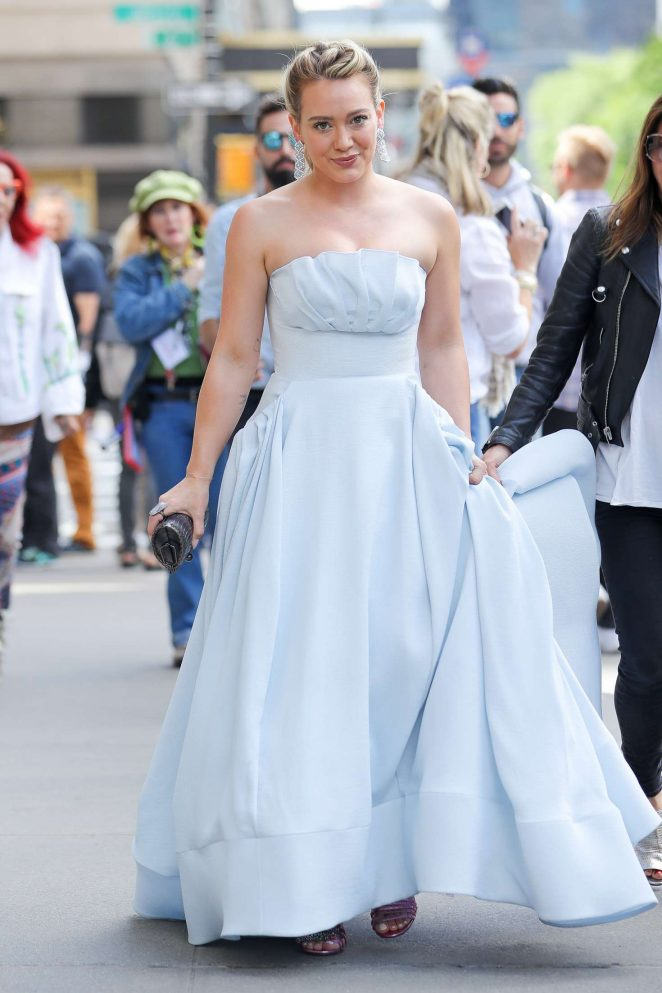 Hilary duff in a cinderella dress at the younger set 20 gotceleb hilary duff in a cinderella dress at the younger set 20 junglespirit Choice Image