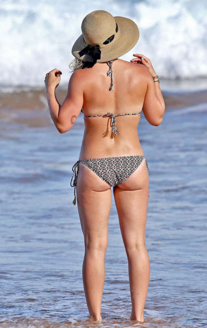 Hilary Duff in Bikini -02