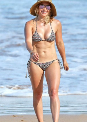 Hilary Duff in Bikini -04