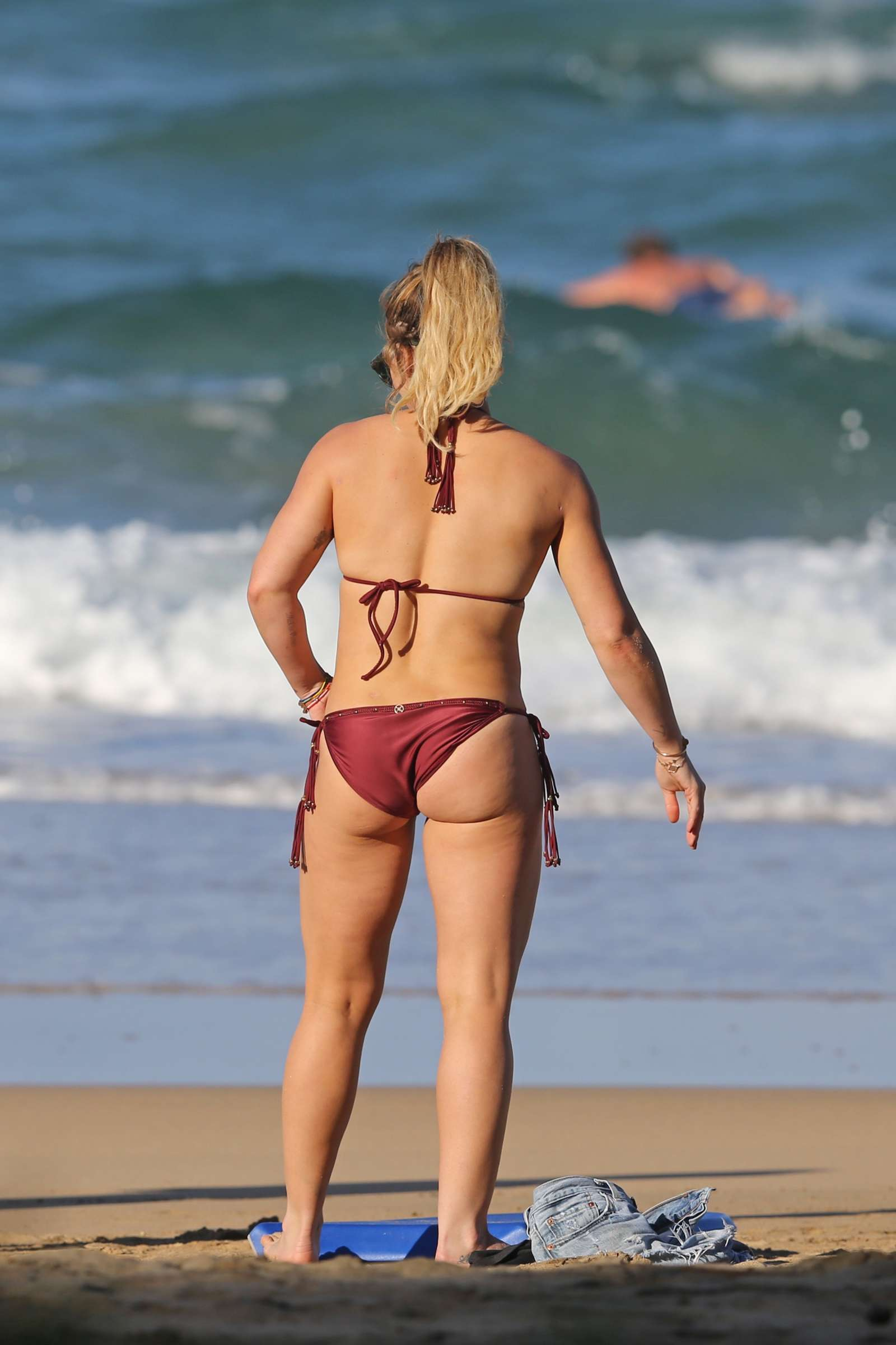 Hillary duff bikini gallery