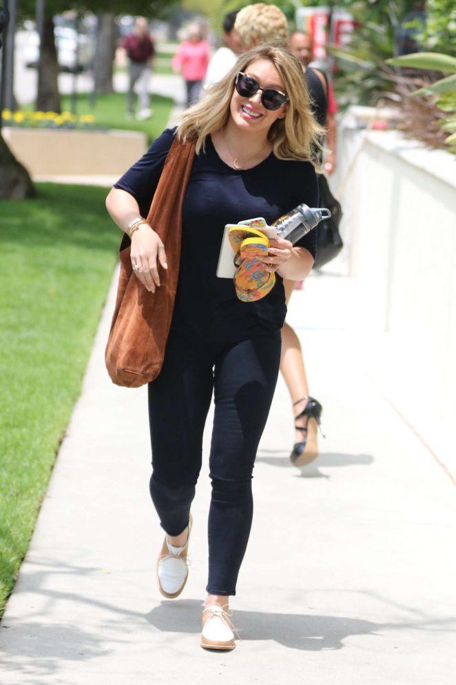 Hilary Duff in Blue Jeans -02