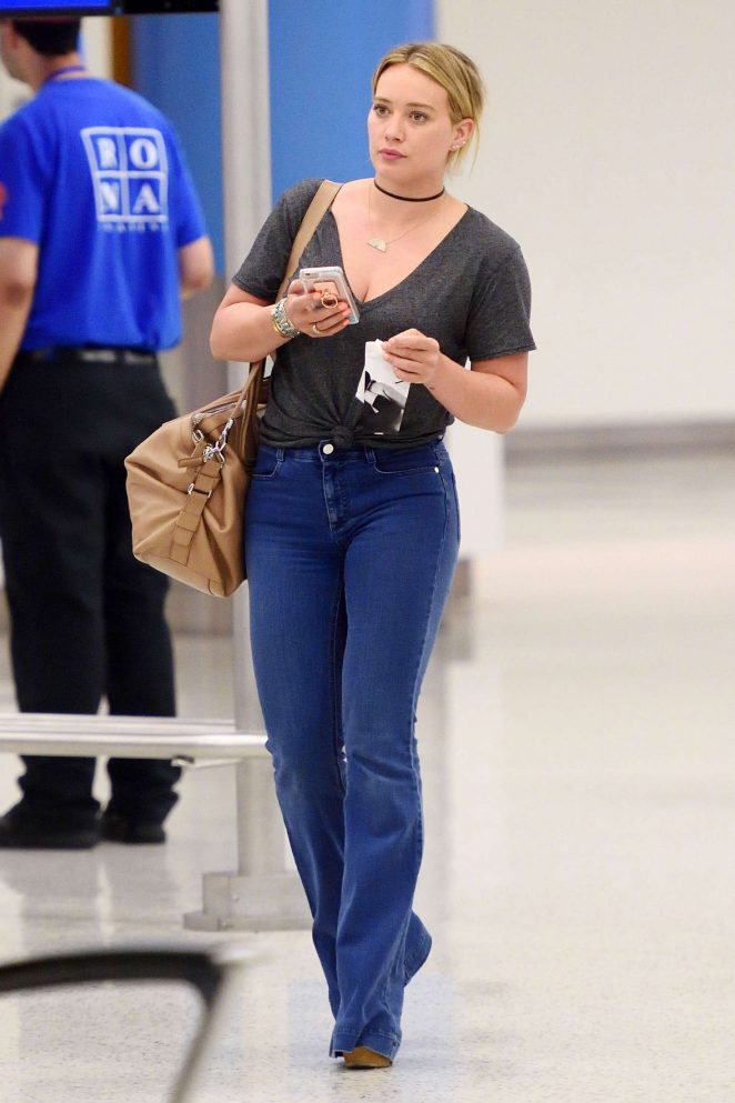 Hilary Duff in Jeans at JFK Airport -05