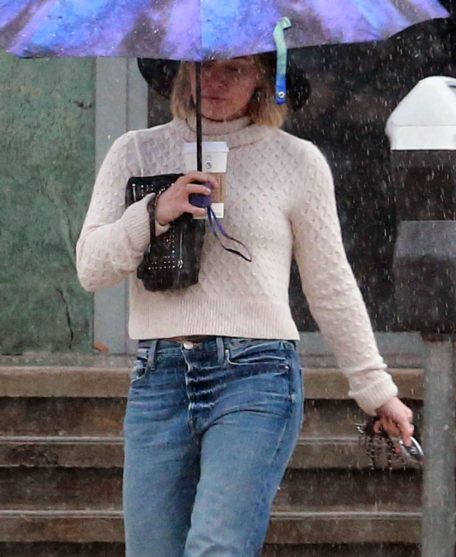 Hilary Duff 2016 : Hilary Duff in Jeans out on a rainy day -20