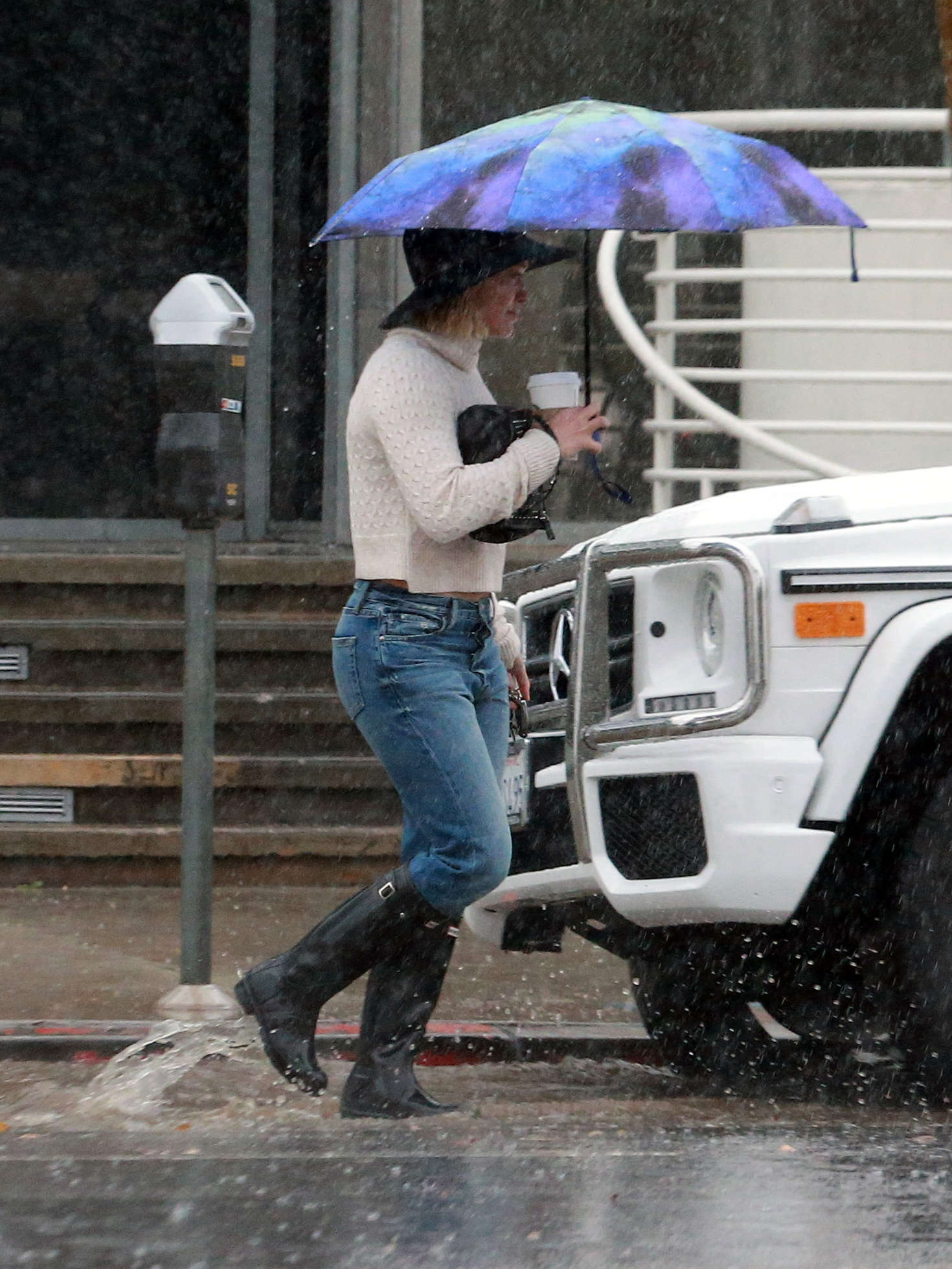 Hilary Duff 2016 : Hilary Duff in Jeans out on a rainy day -21