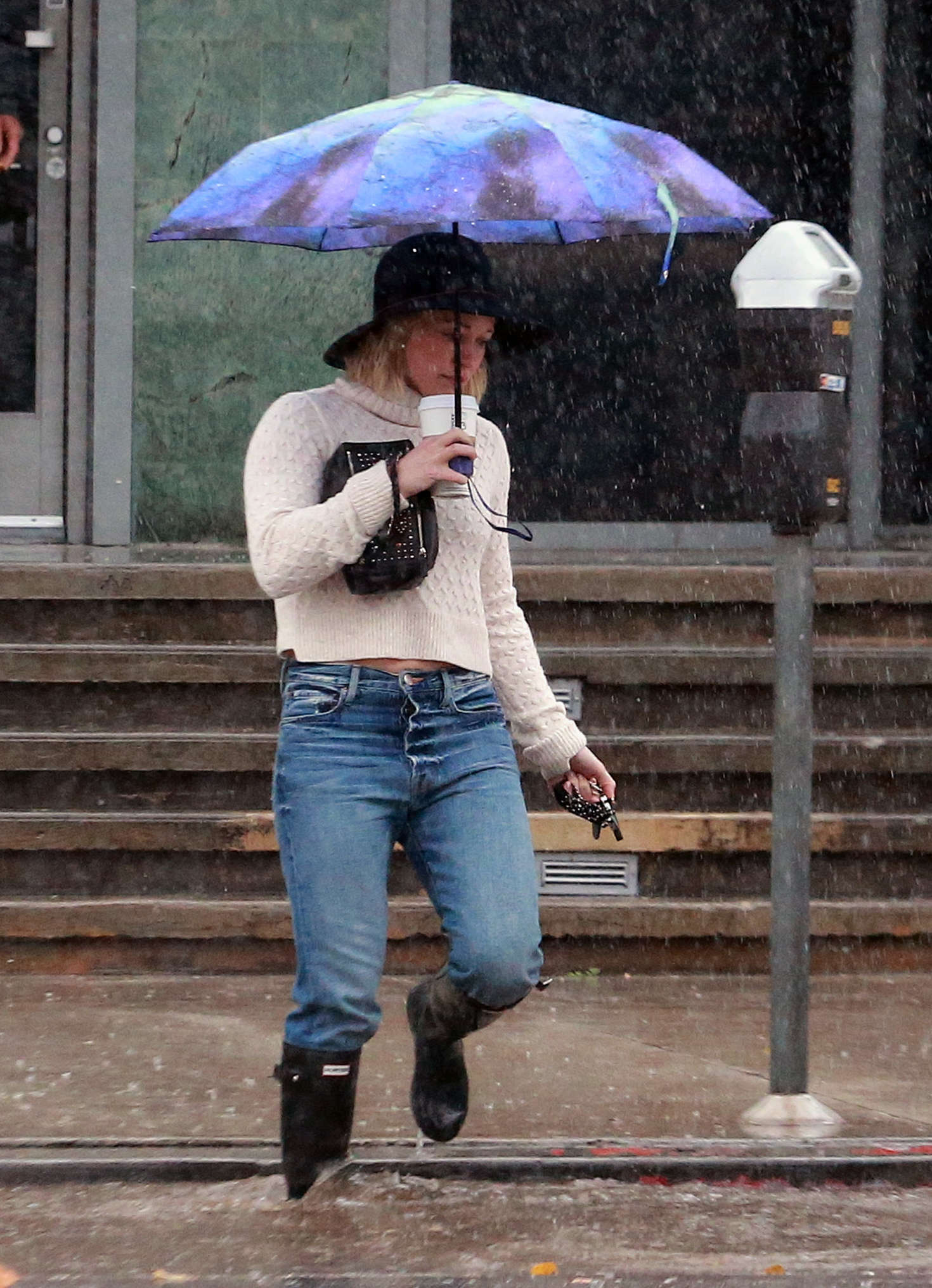 Hilary Duff 2016 : Hilary Duff in Jeans out on a rainy day -23