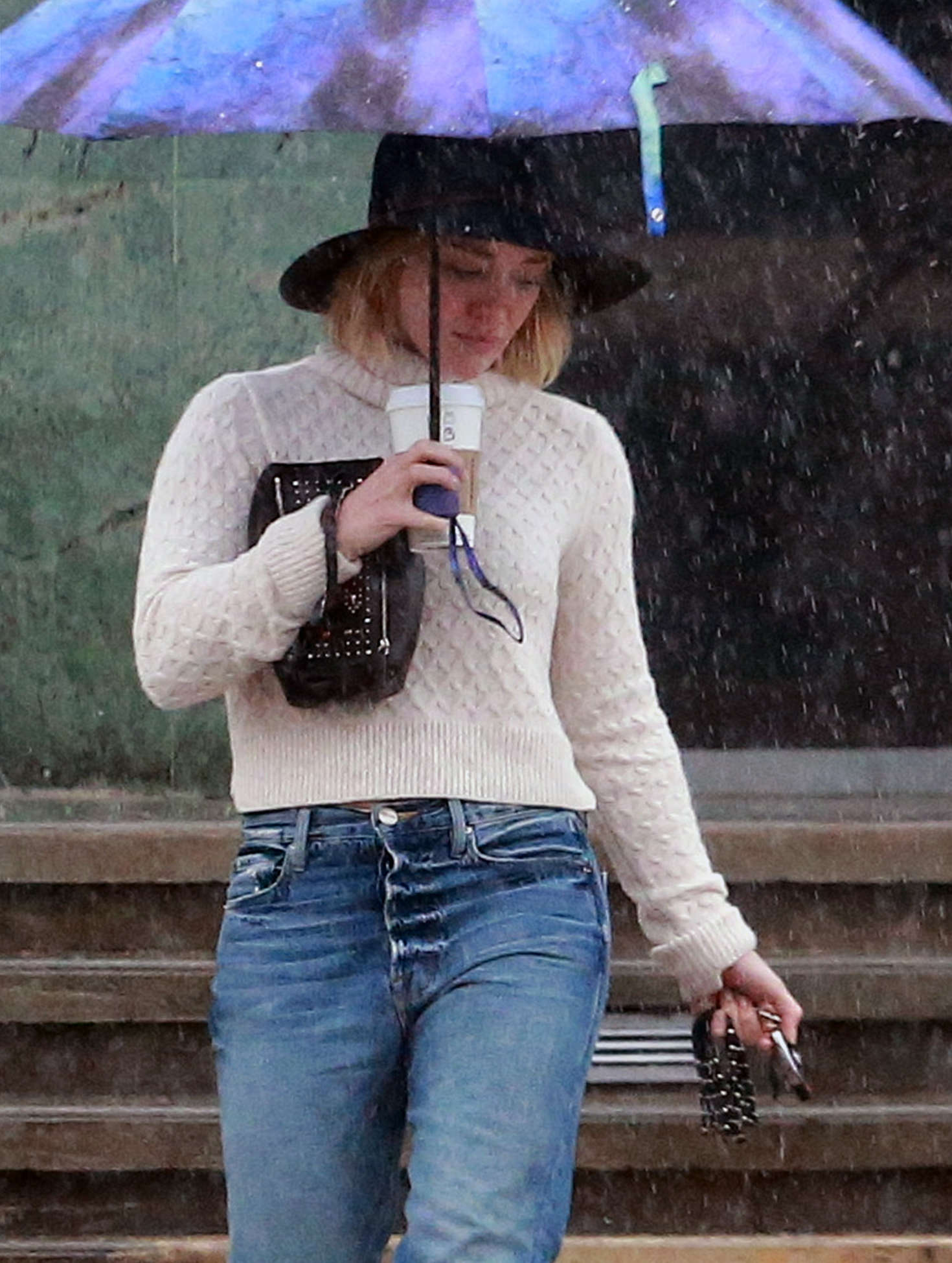Hilary Duff 2016 : Hilary Duff in Jeans out on a rainy day -29