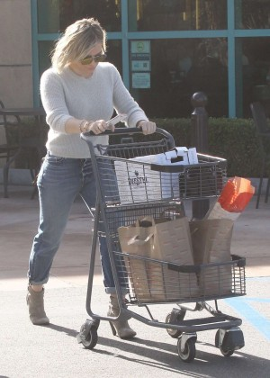 Hilary Duff Booty in Jeans -03