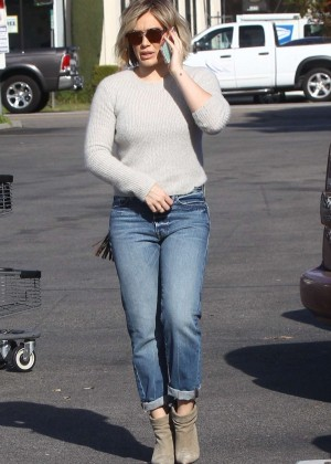 Hilary Duff Booty in Jeans -08