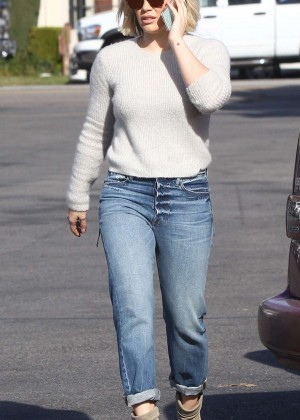 Hilary Duff Booty in Jeans -31