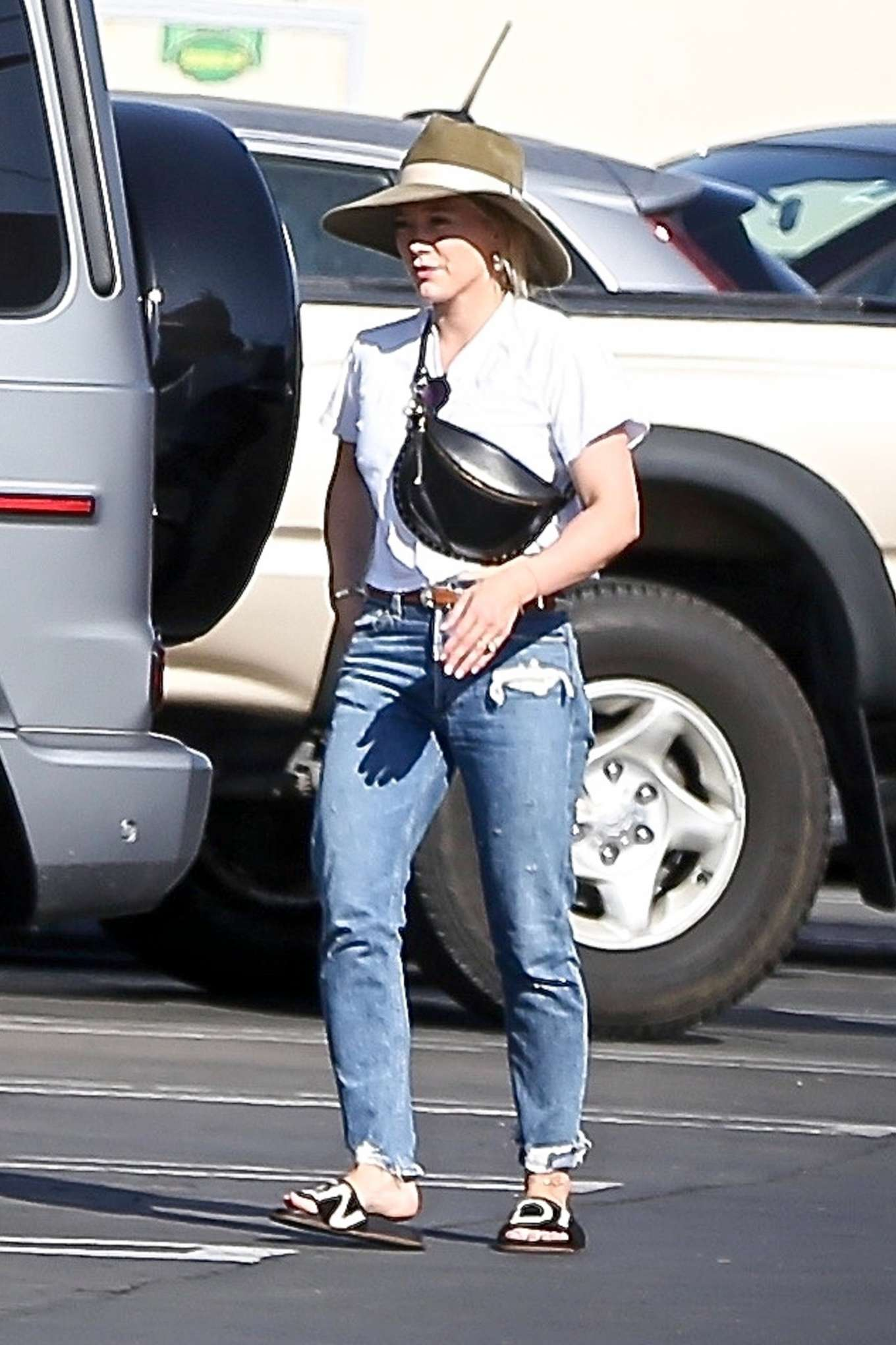 Hilary Duff in Jeans - Shopping in Studio City
