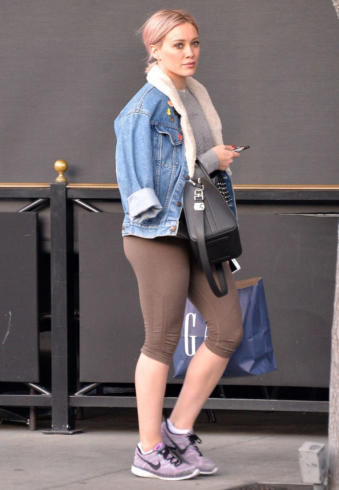 Hilary Duff in Leggings Heads to the gym in Beverly Hills