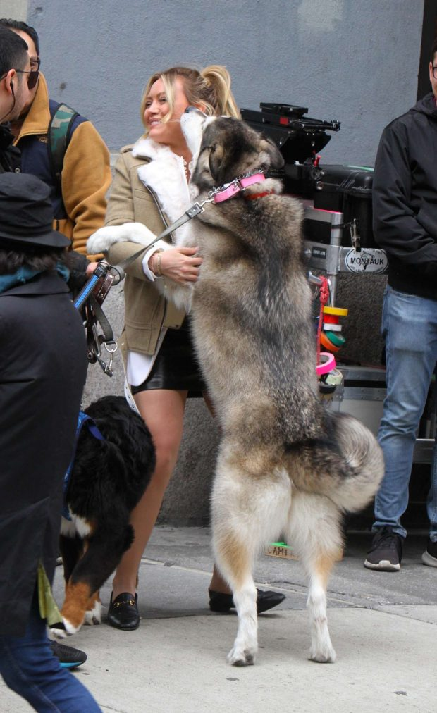 Hilary Duff in Mini Skirt: On the set of Younger -05