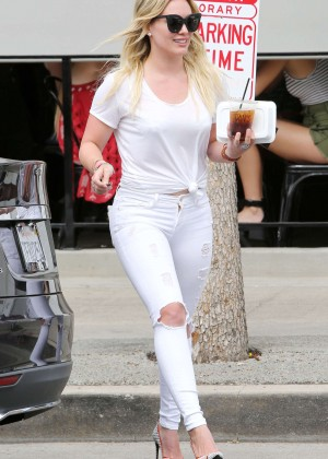 Hilary Duff Booty in Ripped Jeans -31