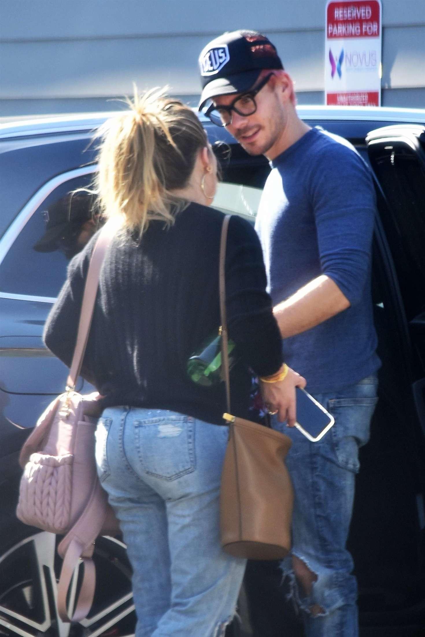 Hilary Duff 2016 : Hilary Duff in Ripped Jeans -08