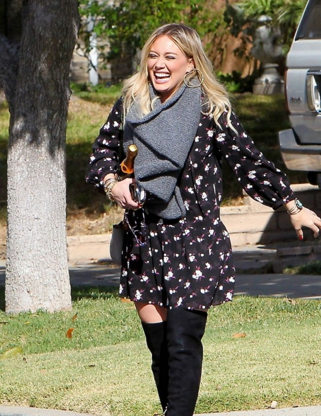 Hilary Duff in Short Dress -05