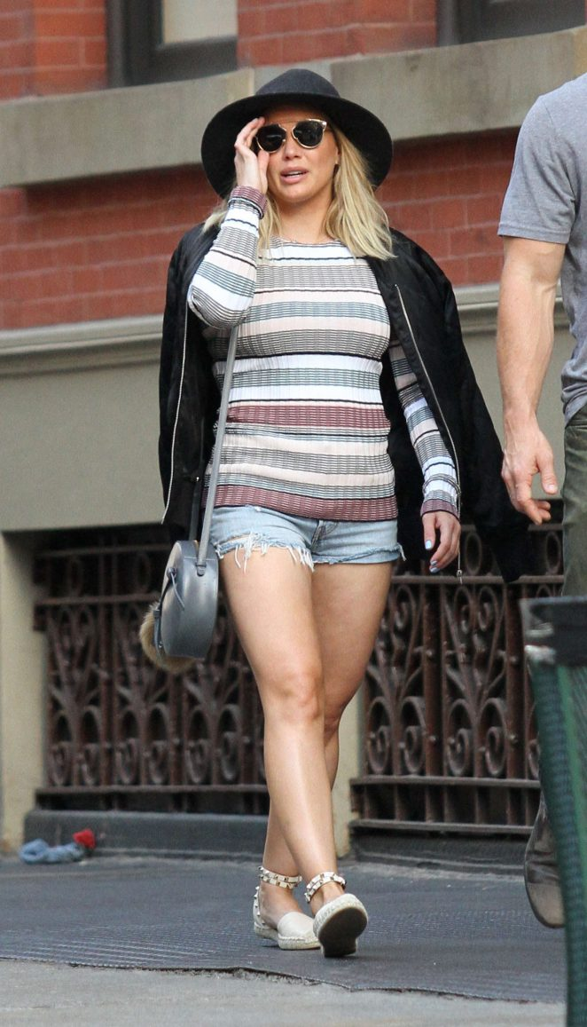 Hilary Duff in Short Shorts Out in Manhattan