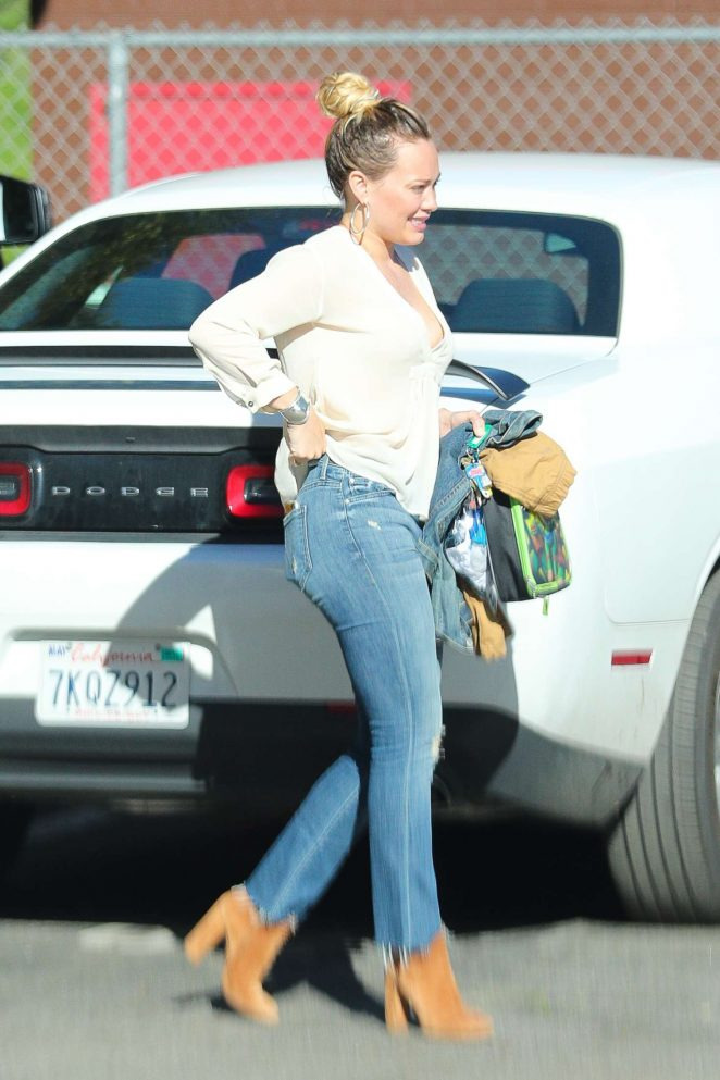 Hilary Duff in Skinny Jeans Going to the Salon in West Hollywood