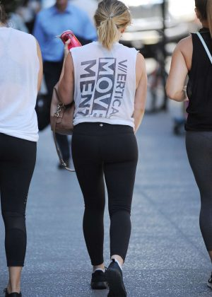 Hilary Duff in Tights Heading to a gym in NY