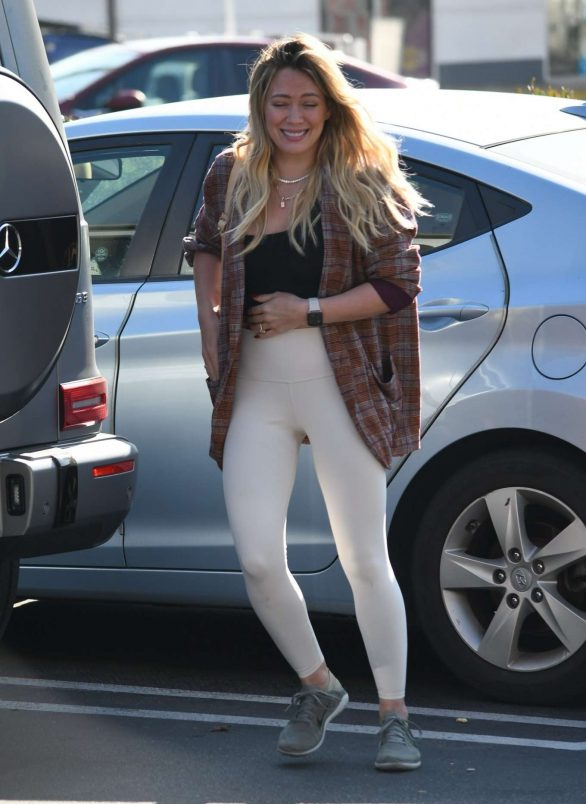 Hilary Duff - Is seen on Valentine's in Studio City