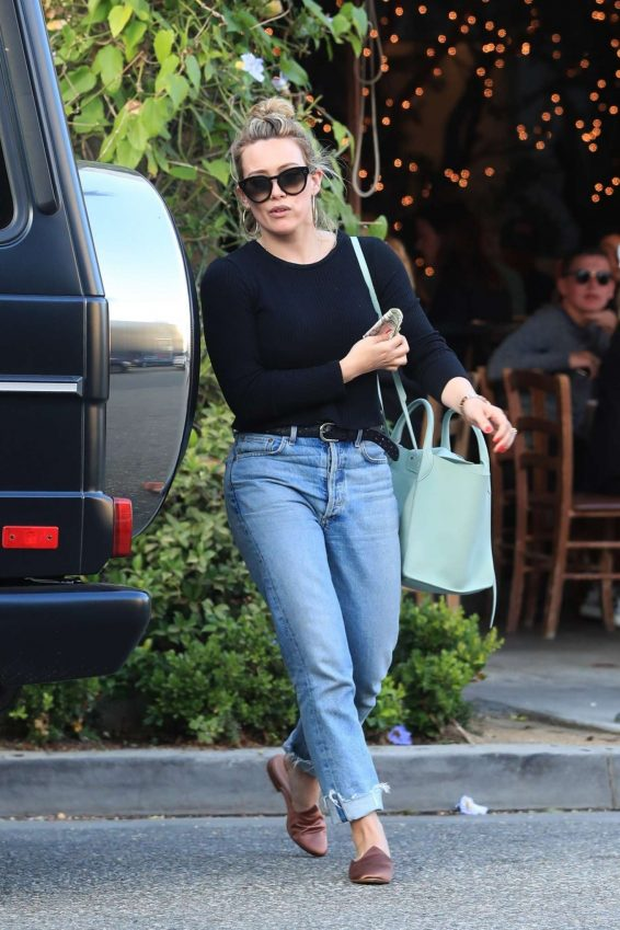 Hilary Duff – Leaves Il Pastaio in Beverly Hills-03