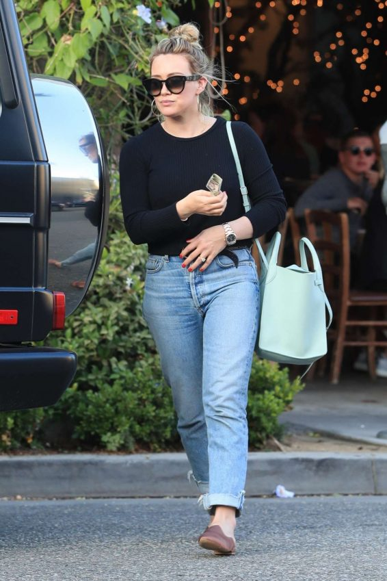 Hilary Duff – Leaves Il Pastaio in Beverly Hills-04