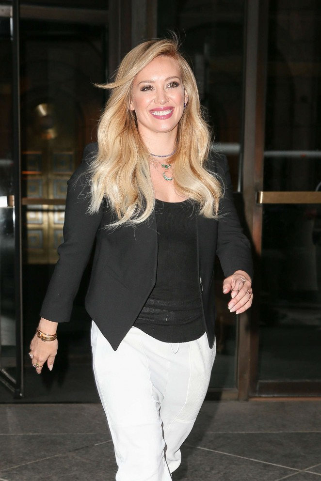 Hilary Duff - Leaves the SONY building in Manhattan
