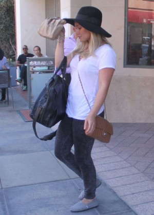 Hilary Duff - Leaving a doctor's office in Beverly Hills
