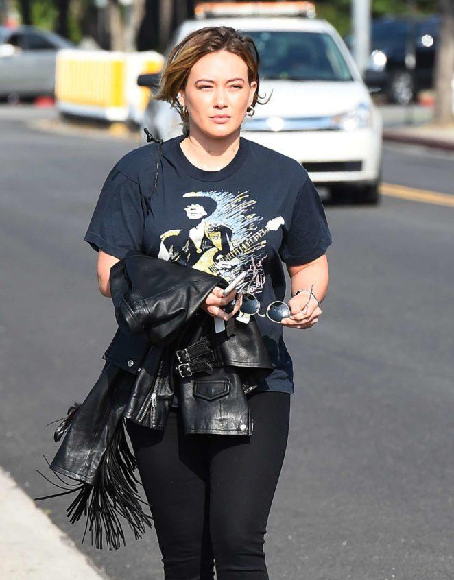 Hilary Duff Leaving a salon in Los Angeles